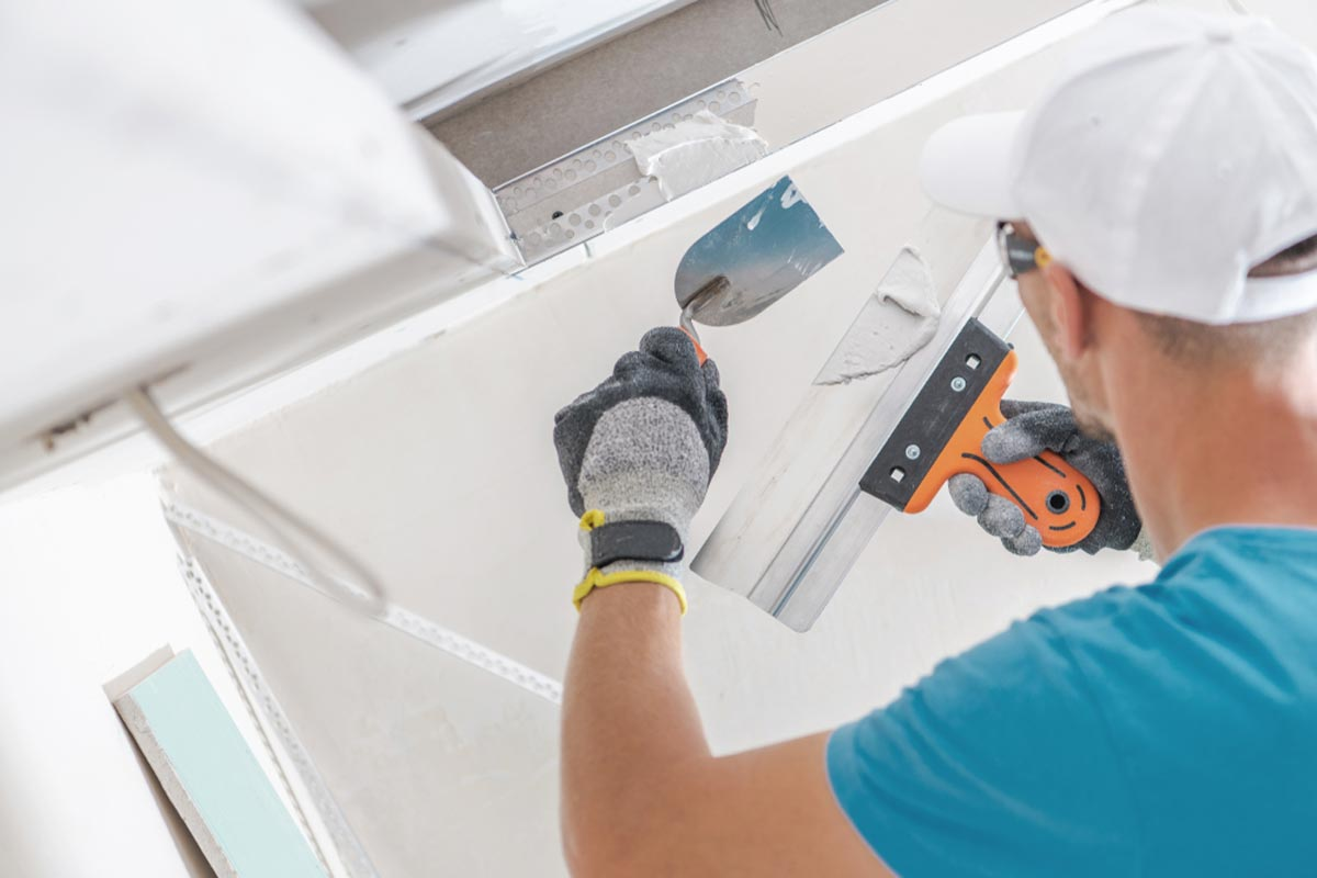 2020 Drywall Repair Cost Holes S Ceiling Costs
