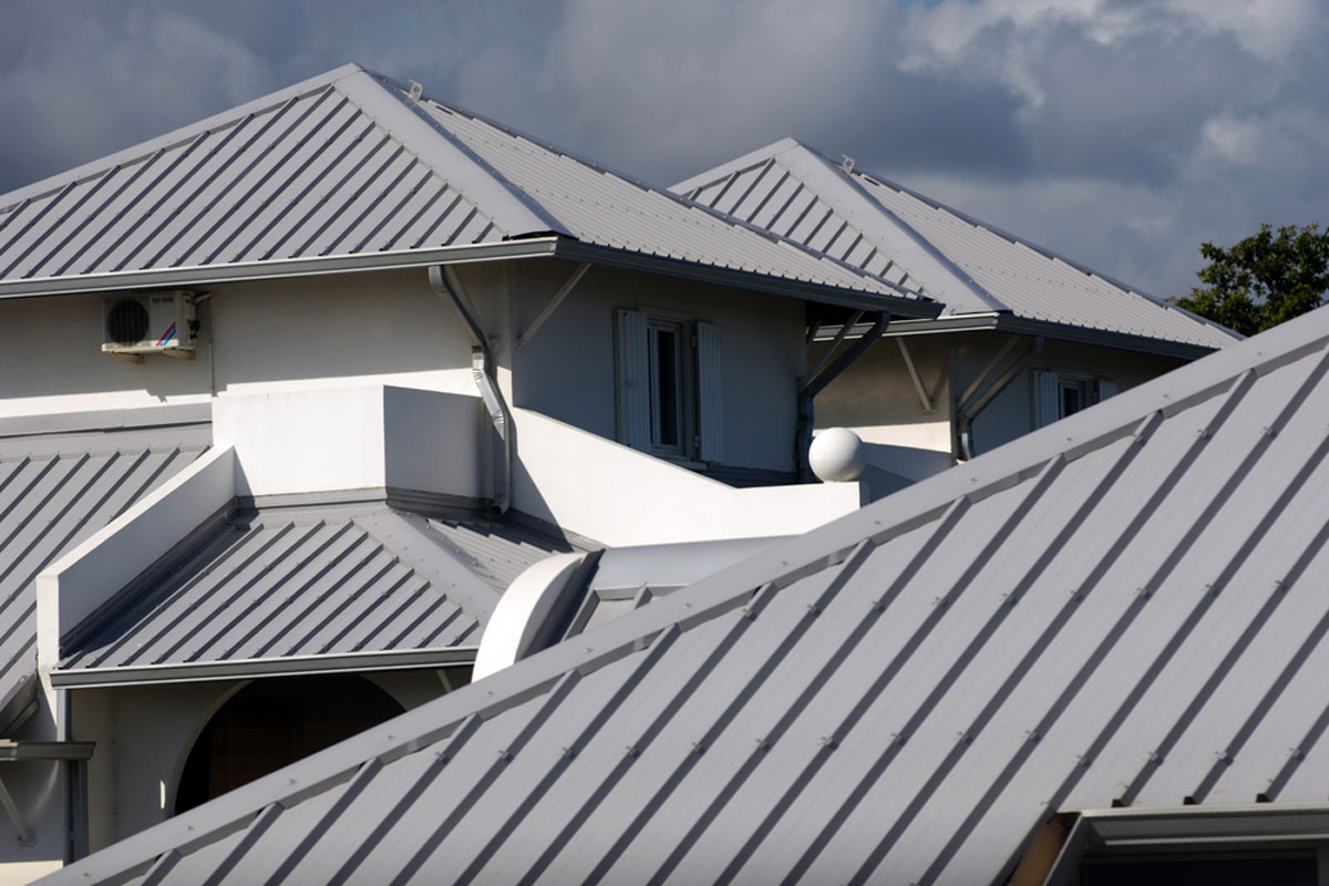 2019 Metal Roof Painting Costs Average Prices By Roof Size