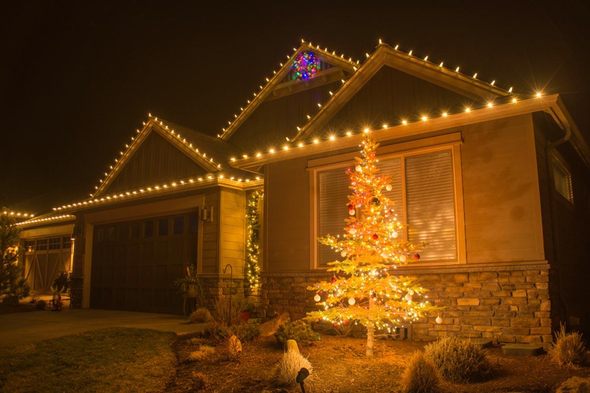 2020 Christmas Light Installation Costs