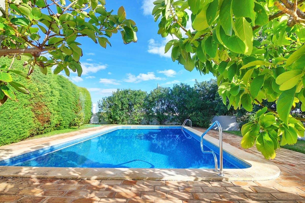 2020 Inground Pool Costs | Average Price To Install ...
